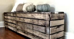 diy pallet storage - I'm thinking for formal stuff and extra blankets, textb...