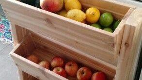 Cedar produce stand dyi