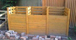 Designs for Wooden Pallet Sofas and Compost Bins