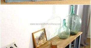 Now craft this awesome wooden pallet entryway table for your home. This project ...