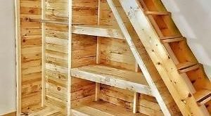 Schauen Sie sich diese entzückende Holzpalettenin... - #arbeitsplatte #diese #E...